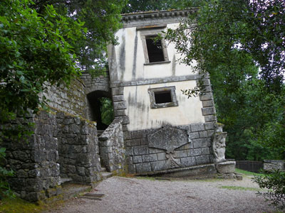 small-home-bomarzo.jpg